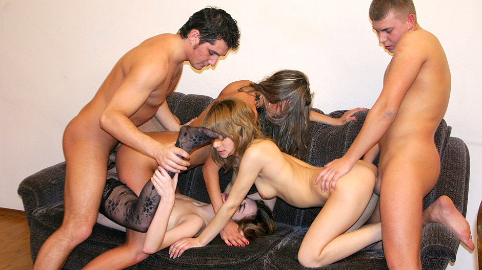 Badass college chicks suck big cocks on hot sex party
