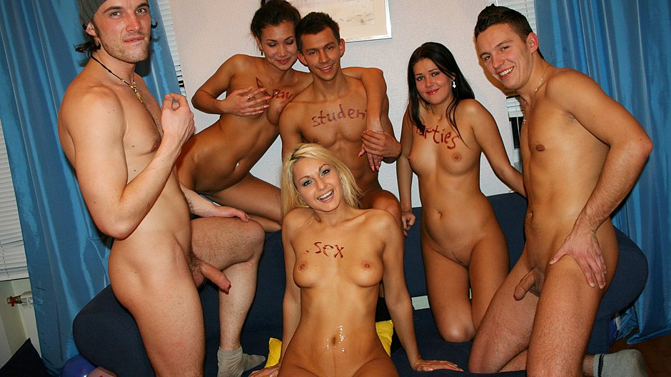 Raunchy group action at cool college parties