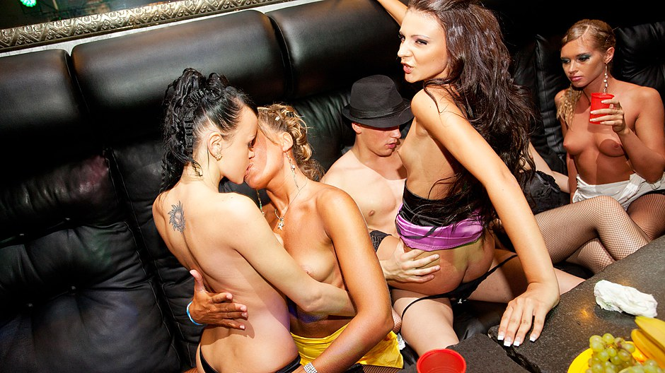 Real college girls seducer a stripper