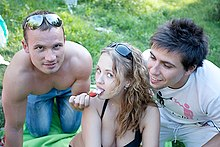 Outdoor threesome with hotties