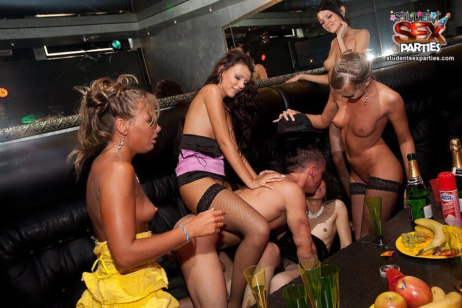 tanushree dutta nude photos