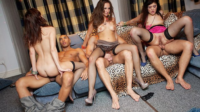 Sexy lingerie girls in group fucking