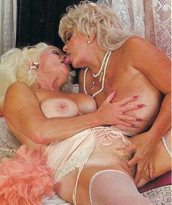 Oldnanny old and young woman licking and toying 4