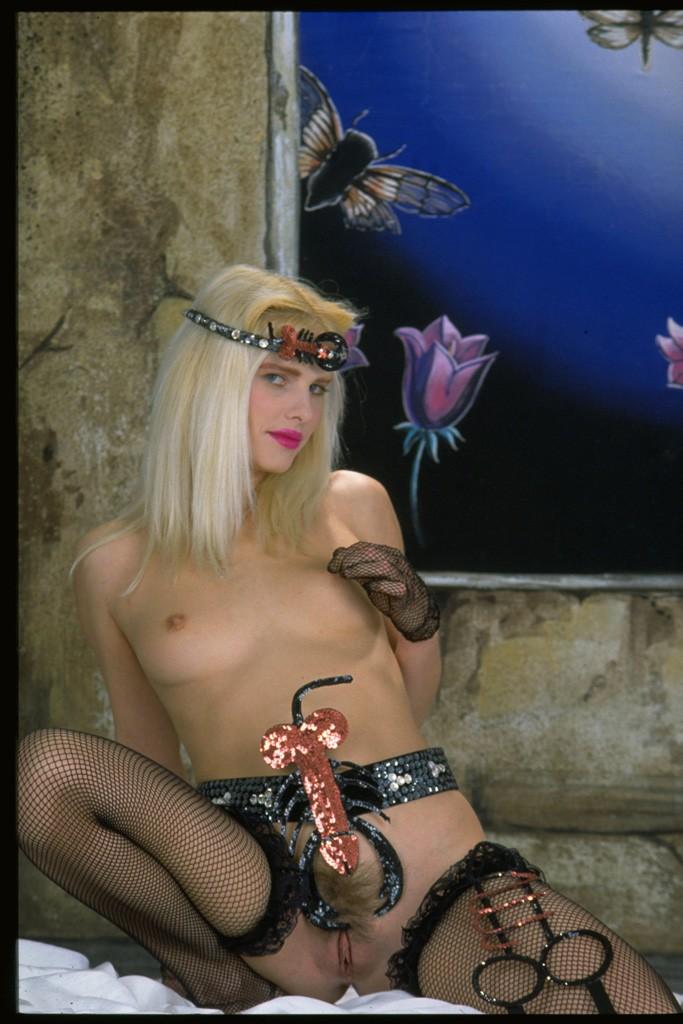 Cicciolina (Ilona Staller) 3 photos #15717