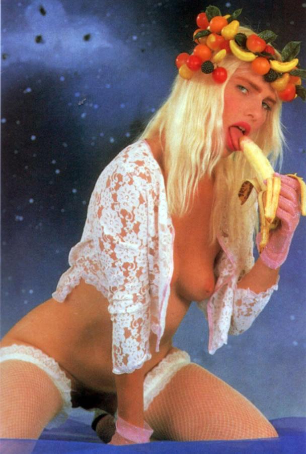 Cicciolina (Ilona Staller) 3 photos #15723