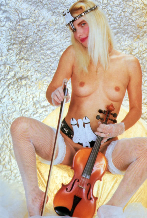 Cicciolina (Ilona Staller) 3 photos #15724