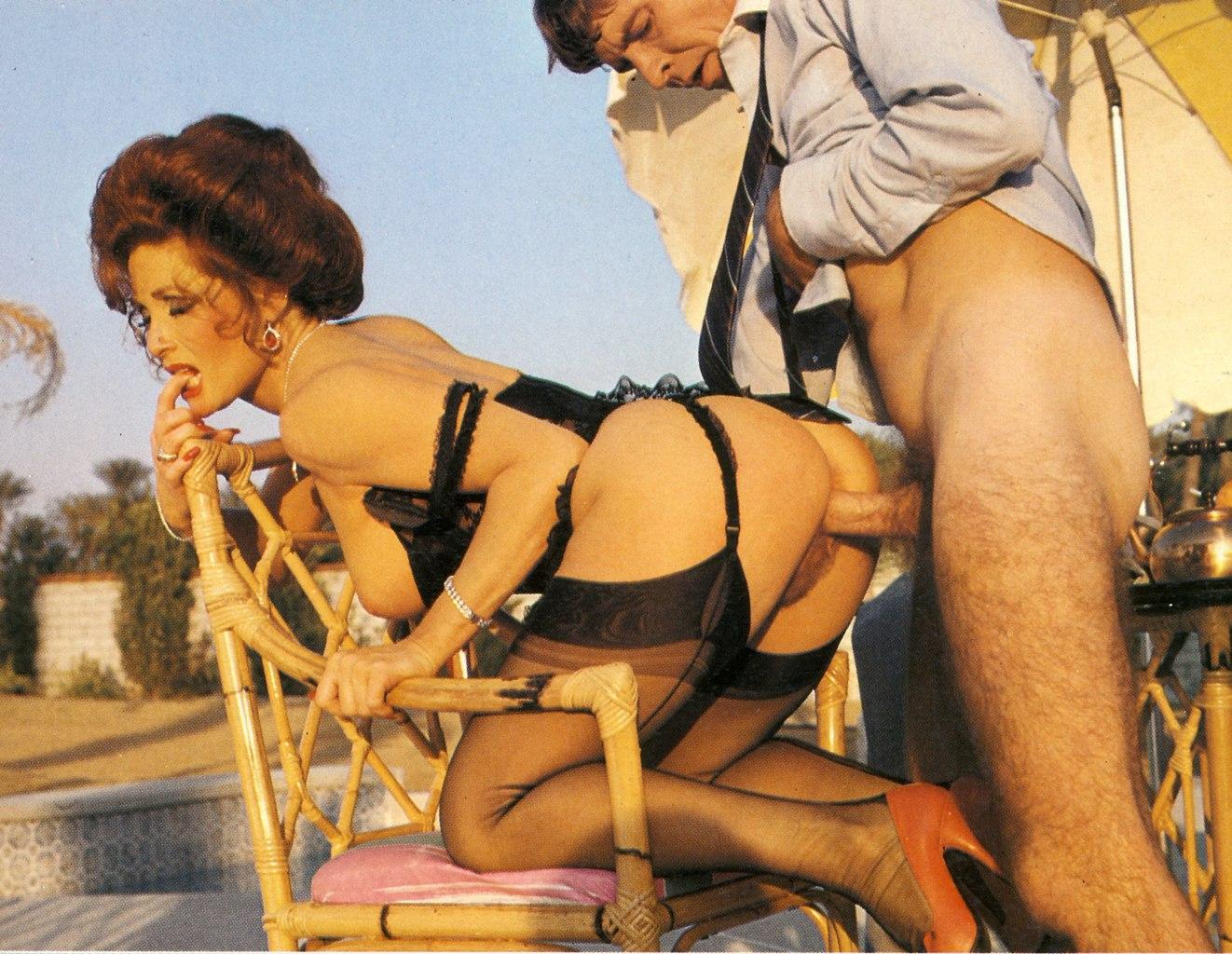 julia-cova-smotret-eroticheskoe-foto