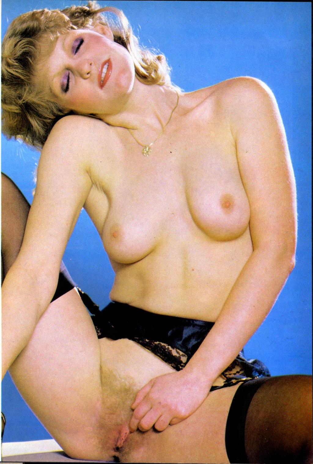 naked anushka shetty