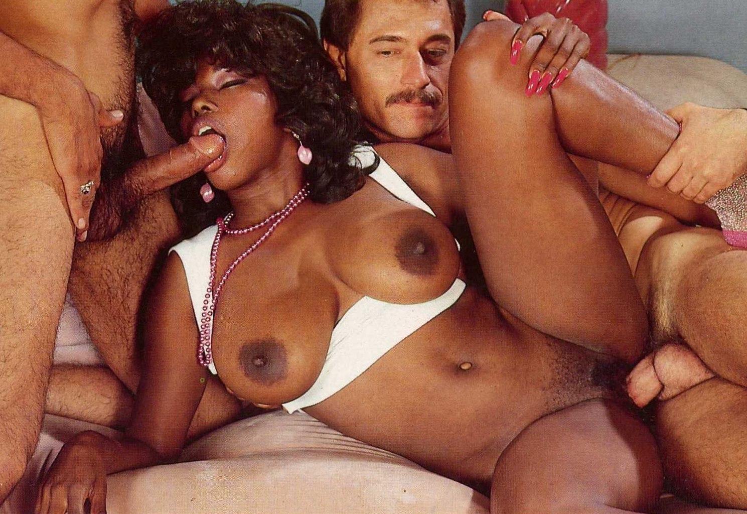 См порно актрису чичолина 3 фотография