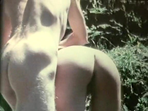 Desiree Cousteau in retro sex scene