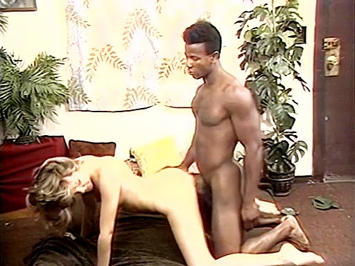 Black dick penetration closeup vid