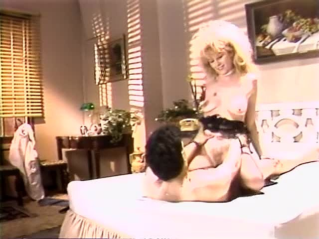 Aja, Dana Lynn, Kathleen Gentry in classic sex movie - סרטי סקס