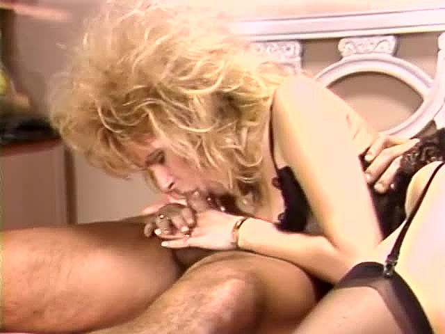 Aja, Dana Lynn, Kathleen Gentry in classic sex video - סרטי סקס