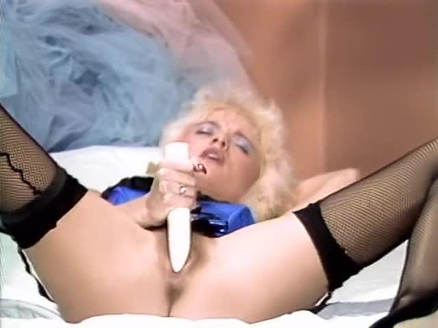 Aja, Gail Force, Kim Alexis in classic xxx clip - סרטי סקס