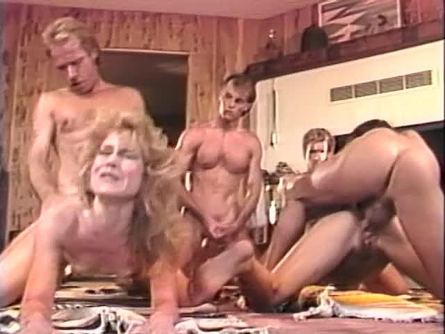 Alicia Monet, Amber Lynn, Brandy Alexandre in vintage sex scene - סרטי סקס