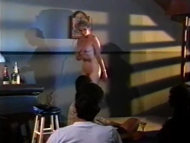 Amanda Stone, Angela D'Angelo, Dusty in classic fuck clip - סרטי סקס