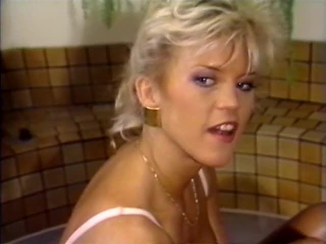 Amber Lynn, Aurora, Tracey Adams in vintage sex video - סרטי סקס