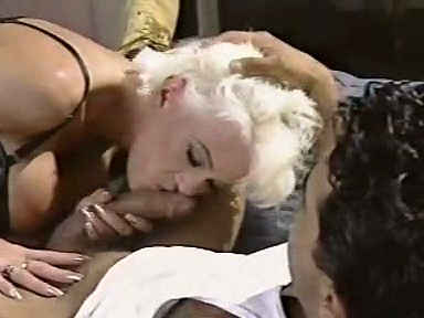 Amber Lynn, J.R. Carrington, Holly Body in classic fuck site - סרטי סקס