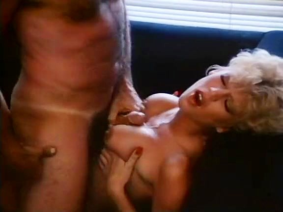 Amber Lynn, John Leslie in amazing retro sex video with John Leslie - סרטי סקס