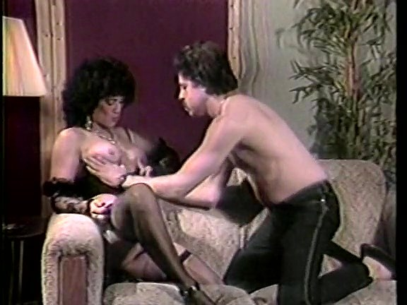 Amber Lynn, Tiffany Clark, Ashley Welles in vintage sex clip - סרטי סקס