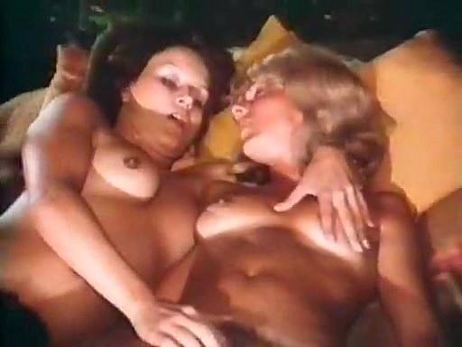 Andrea Werdien, Melitta Berger, Hans-Peter Kremser in vintage sex scene - סרטי סקס