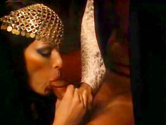 Annette Haven, John Leslie in retro porn video with awesome blowjob - סרטי סקס