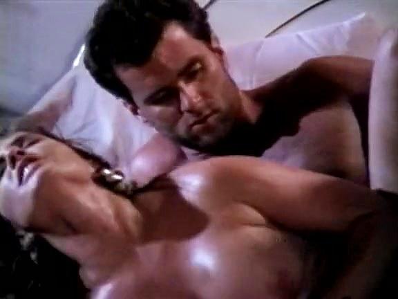 Ashlyn Gere, Jon Dough in lustful eighties porn babe seduces naive guy - סרטי סקס