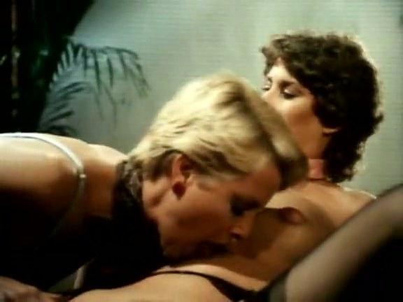 Aunt_Pegs_John Holmes, Richard Kennedy, Sharon York in classic sex video - סרטי סקס