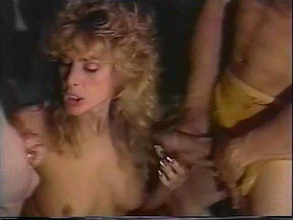Barbara Dare, Nina Hartley, Erica Boyer in classic porn movie - סרטי סקס