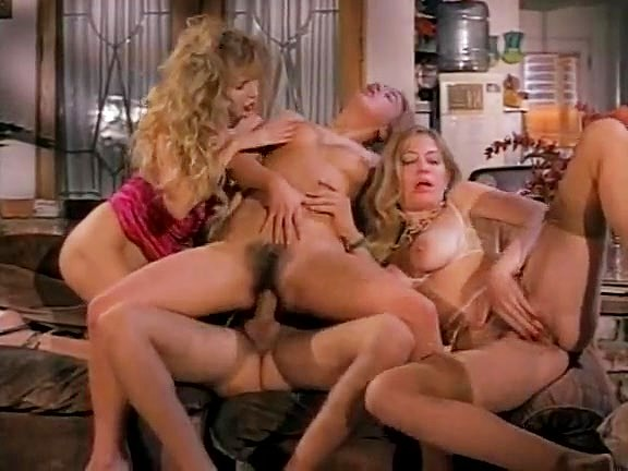 Barbarella, Miss Pomodoro, Moana Pozzi in spicy beach girls with huge boobs from retro porno - סרטי סקס