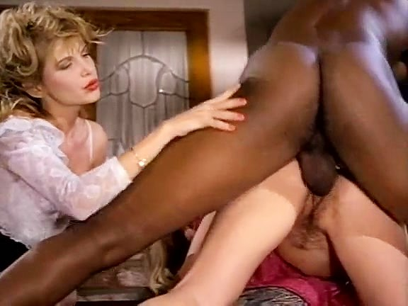 Barbarella, Moana Pozzi, Sean Michaels in well-hung black retro porn star doing latin chicks - סרטי סקס