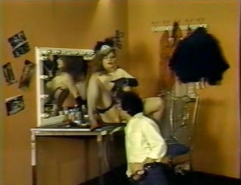 Becky Savage, Busty Belle, Candy Samples in classic sex scene - סרטי סקס