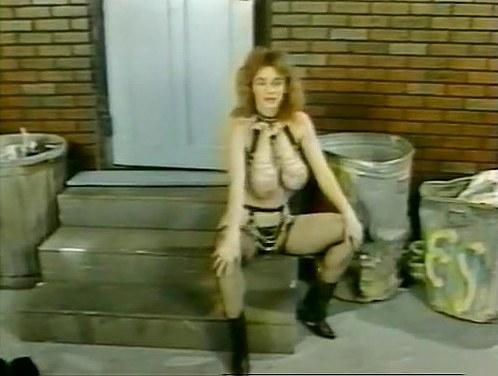 Becky Savage, Busty Belle, Candy Samples in vintage porn movie - סרטי סקס