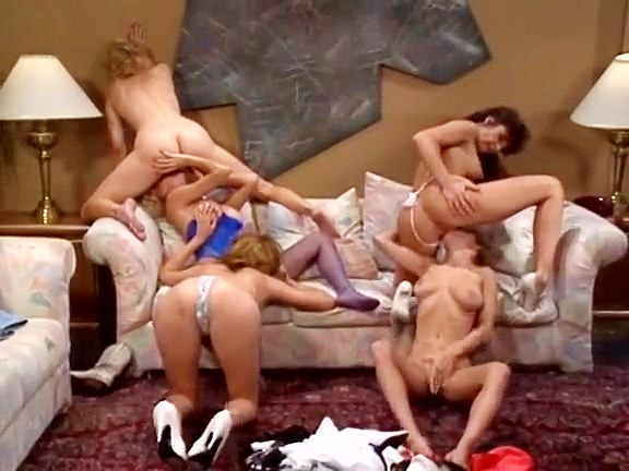 Bionca, Crystal Wilder, Melanie Moore in hot-looking models in xxx classic porn orgy - סרטי סקס