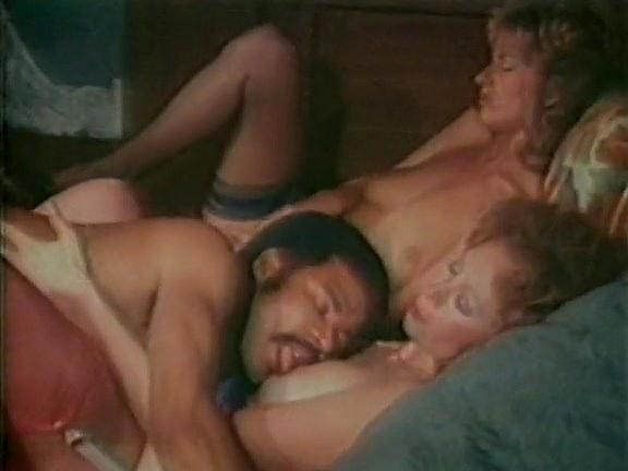Black_Heather Hunter, Jenteal, Jill Kelly in classic sex movie - סרטי סקס