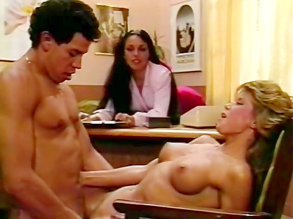 Blondi, Tony Montana in classic pornstars have wild sex in the office - סרטי סקס