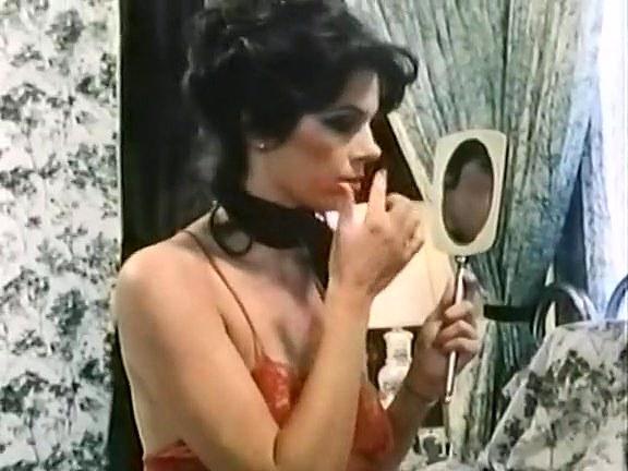 Bridgette Monet in vintage xxx scene - סרטי סקס