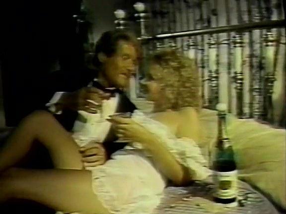 Candie Evans, Melissa Melendez, Joey Silvera in classic fuck clip - סרטי סקס