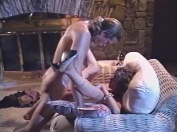 Carrie Bittner, Summer Knight, Stacey Nichols in vintage porn scene - סרטי סקס