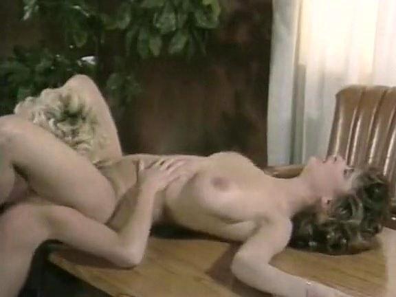 Christy Canyon in vintage sex site - סרטי סקס