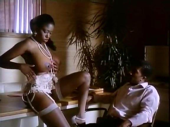Cicciolina, Moana Pozzi, Aja in vintage xxx movie - סרטי סקס