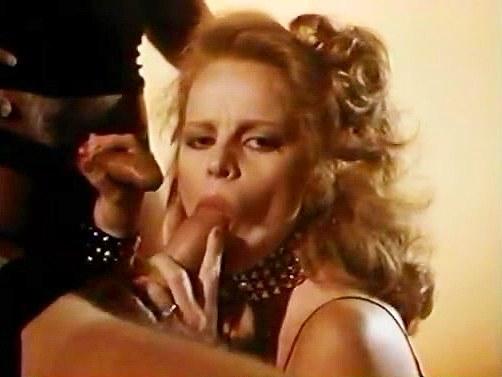 Cris Cassidy, Lisa De Leeuw, Starr Wood in fantasy group fucking moment of classic pornos - סרטי סקס