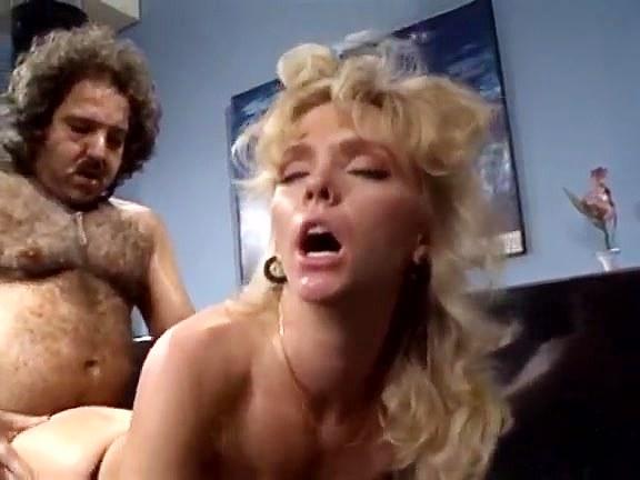 Crystal Wilder, Ron Jeremy in Ron Jeremy fucks blonde model's round ass - סרטי סקס