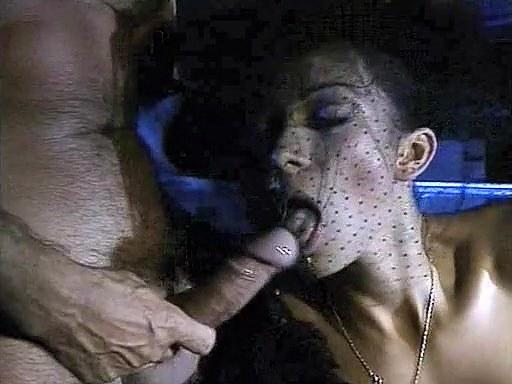 Deborah Wells, Elodie John Holmes, Cindy Wilson in vintage xxx scene - סרטי סקס