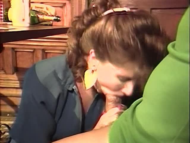Frankie Leigh, Kim Alexis, Molly Munro in classic fuck scene - סרטי סקס