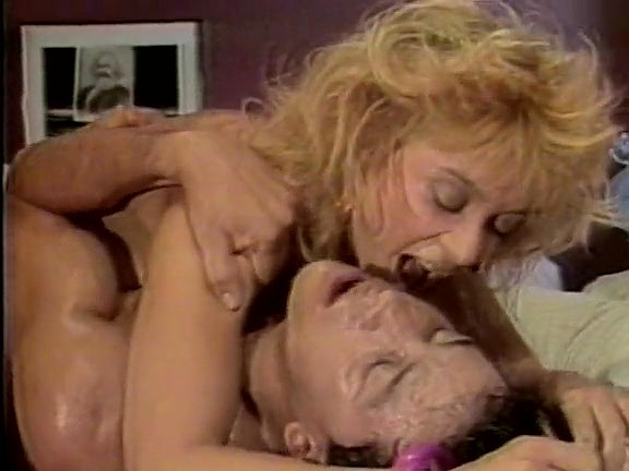 Ginger Lynn Allen, Kristara Barrington, Erica Boyer in vintage porn site - סרטי סקס