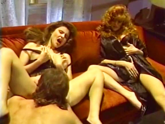 Jacqueline, Leanna Foxxx, Steve Drake in lesbian sex and a threesome from hot porno 1980 - סרטי סקס