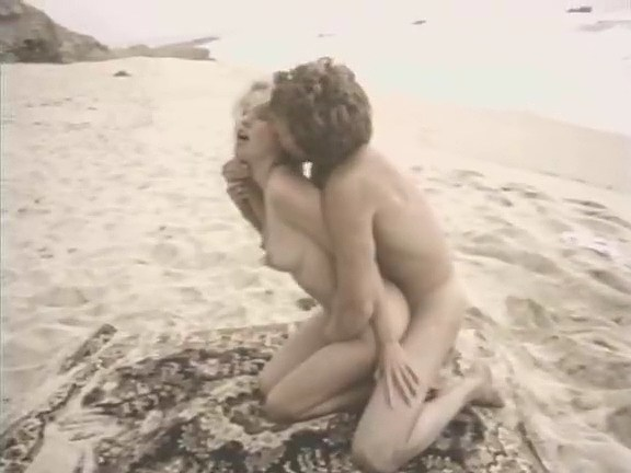 Kay Parker, Abigail Clayton, Paul Thomas in classic porn movie - סרטי סקס