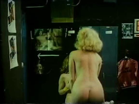 Vanessa del Rio, John Leslie, Gloria Leonard in classic porn clip - סרטי סקס