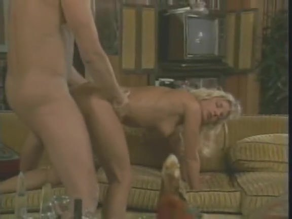Victoria Paris, Tianna, Chessie Moore in vintage porn video - סרטי סקס